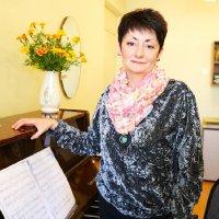 Тихомолова Наталья Георгиевна - преподаватель отделения фортепианного искусства