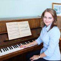 Молчанова Мария Владимировна - заместитель директора, преподаватель отделения фортепианного искусства