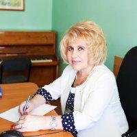 Беликова Ольга Ивановна - заместитель директора, преподаватель отделения теории музыки